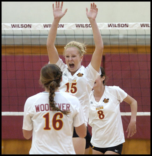 33382-20091015-PS16-WHS_LHS-VOLLEY01-JG.jpg